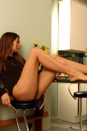02-Sexy_In_The_Kitchen-Larina